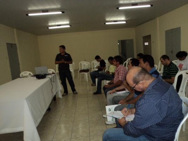 Técnicos Agrícolas reunidos para planejar os próximos passos