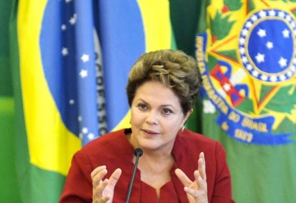 Dilma anuncia redução na conta de luz e descarta risco de racionamento