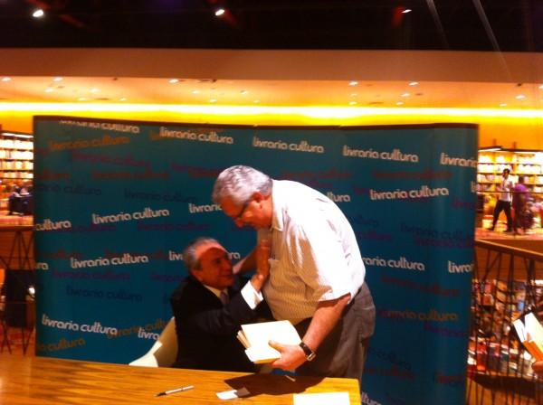 Antonio Neto participa do lançamento do novo livro de Michel Temer