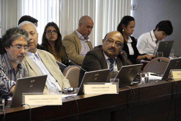 Sindicalistas debatem a proposta de orçamento do Fundo de Amparo ao Trabalhador para  2017
