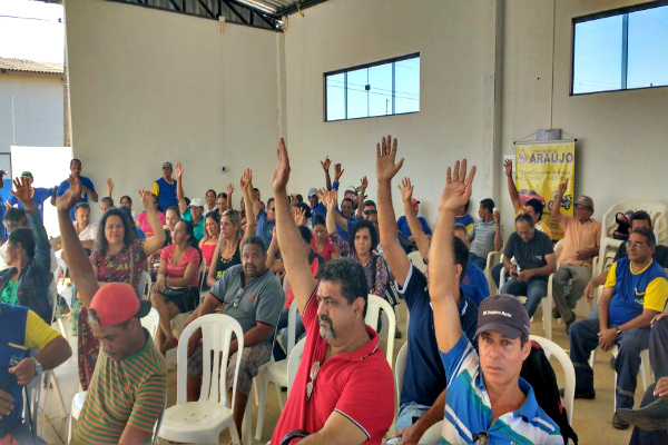 Em assembleia, servidores municipais de Ji-Paraná aprovam paralisação
