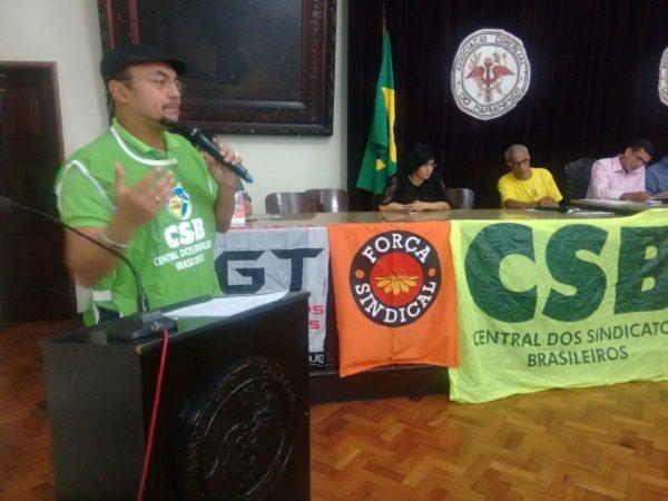 Em plenária, servidores públicos do Maranhão aprovam greve