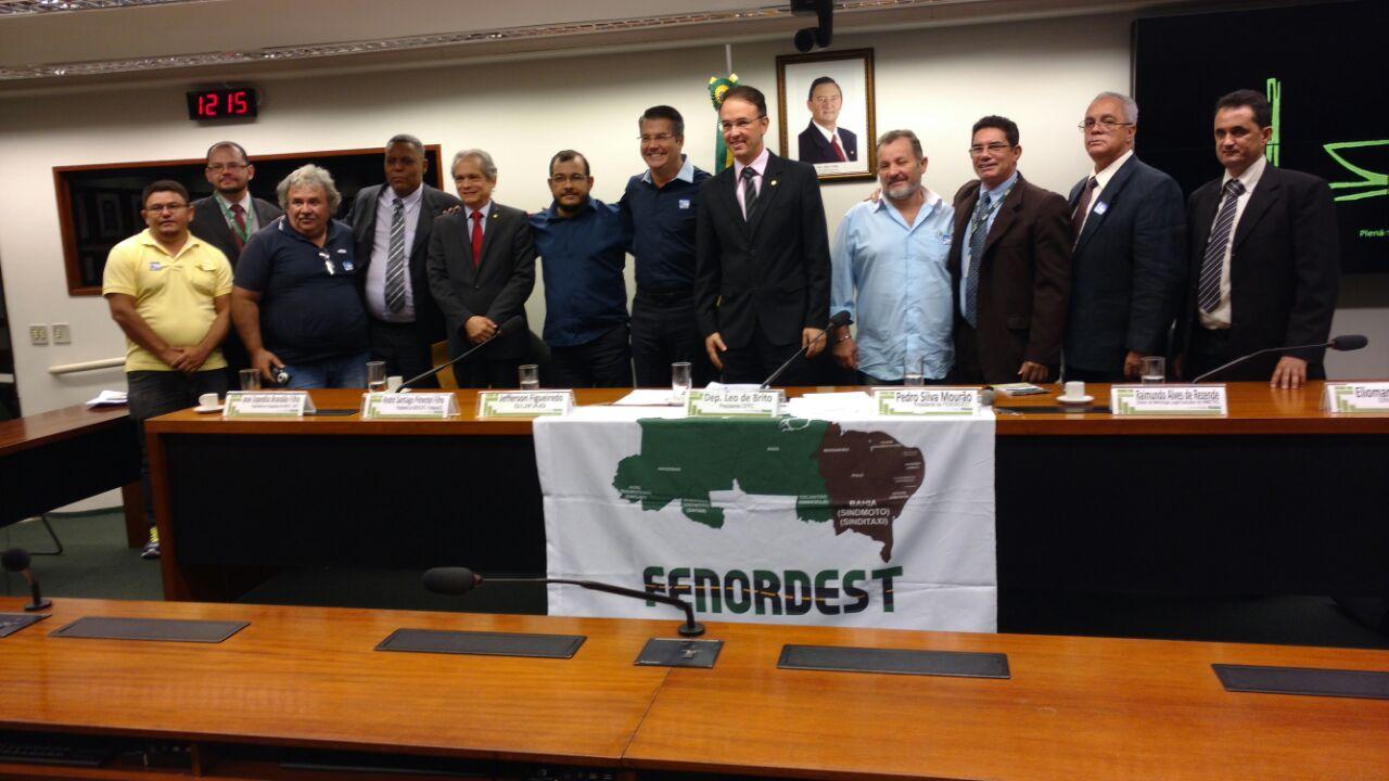 Mototaxistas conquistam implementação do mototaxímetro em todo o Brasil