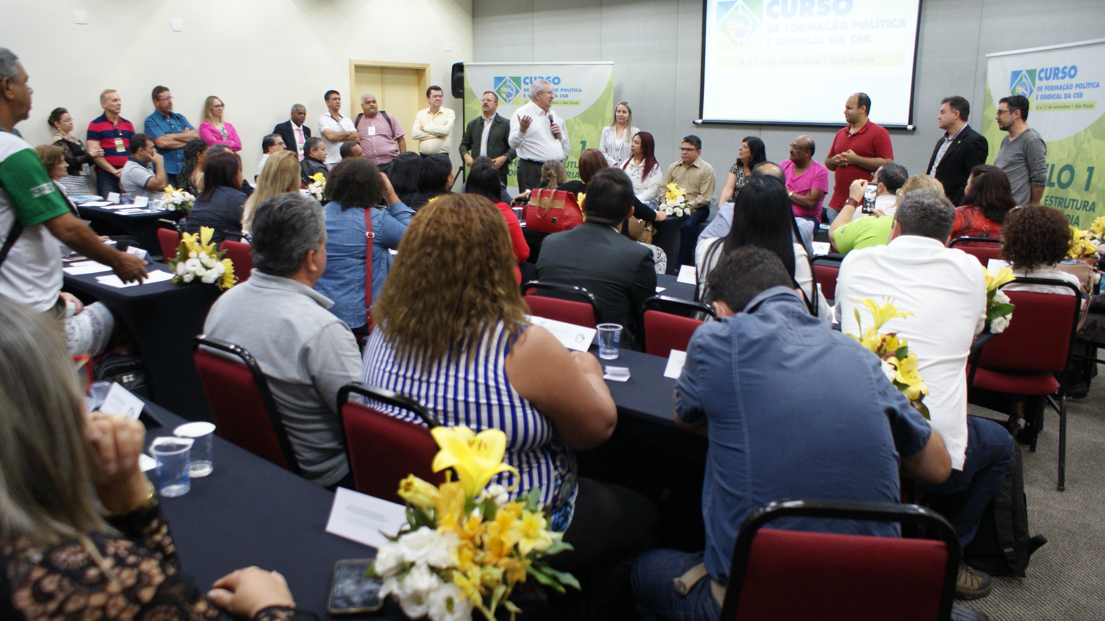 Curso de Formação reúne mais de 100 dirigentes e amplia o enfrentamento dos sindicatos da CSB
