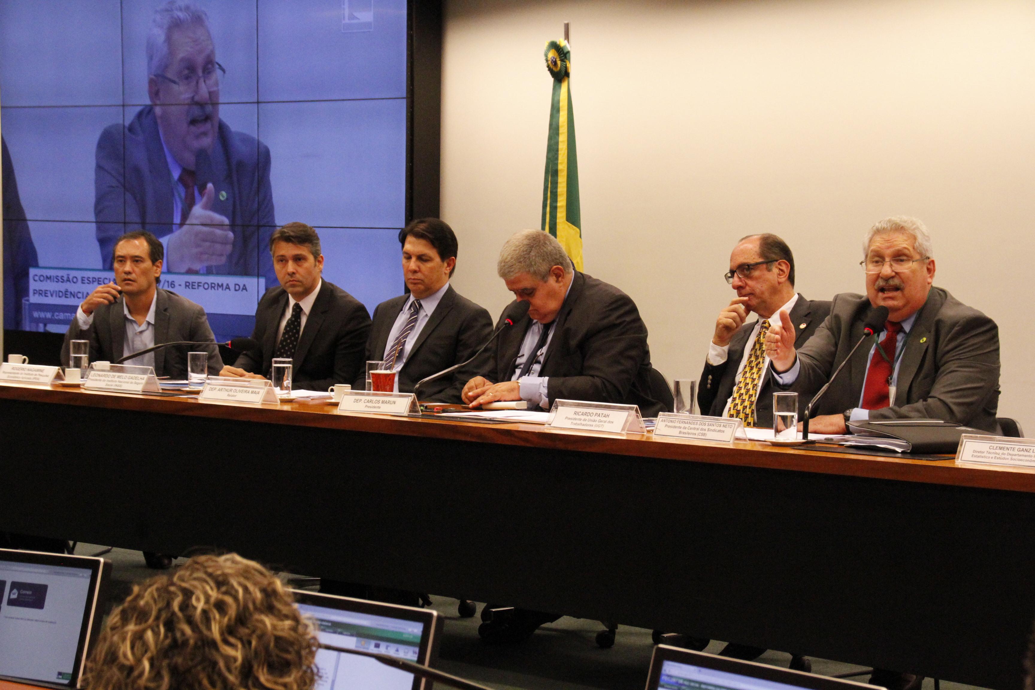 Antonio Neto diz que reforma da Previdência é criminosa e defende necessidade de amplo debate da PEC 287