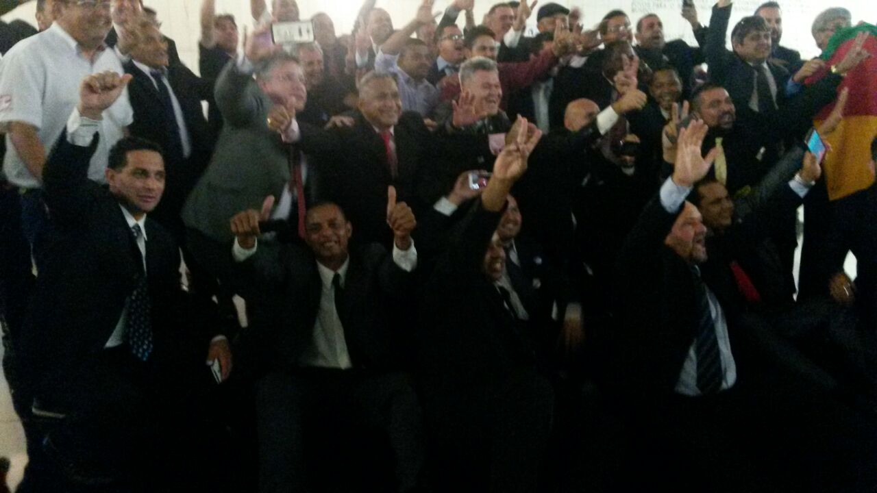 Com pressão dos taxistas, categoria conquista a aprovação do PL 5587/16