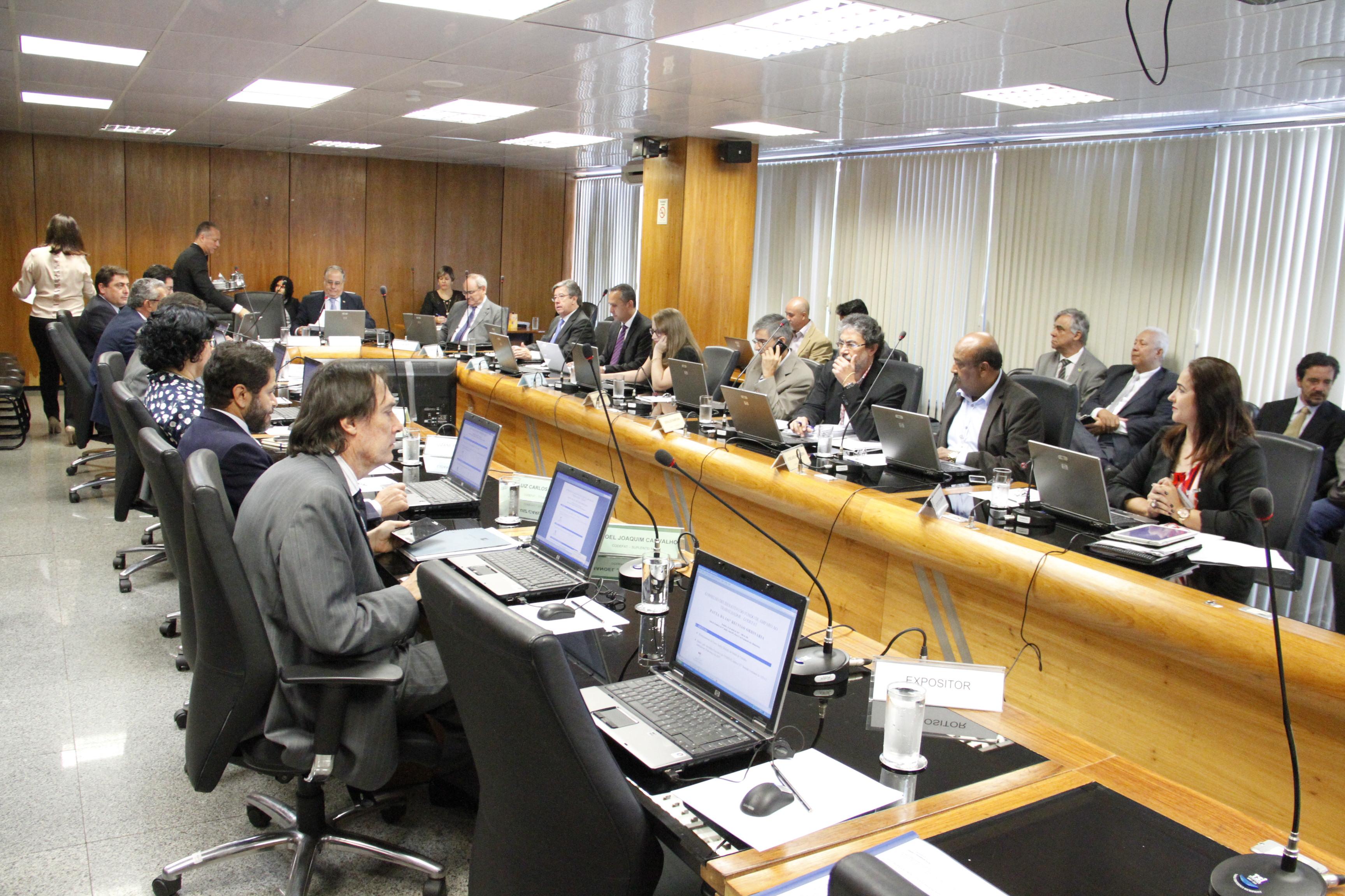 CODEFAT aprova verbas para qualificação profissional e seguro-defeso