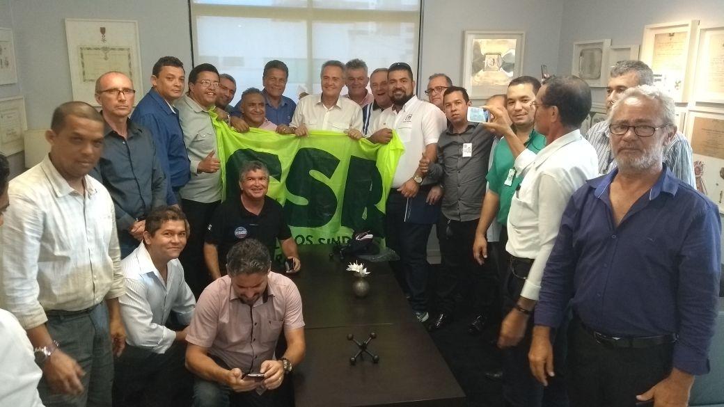 Por apoio ao PLC 28/17, taxistas do Nordeste se reúnem com senador Renan Calheiros