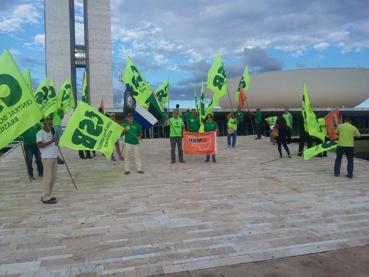 Comitiva da CSB critica reformas do governo em audiência na Câmara