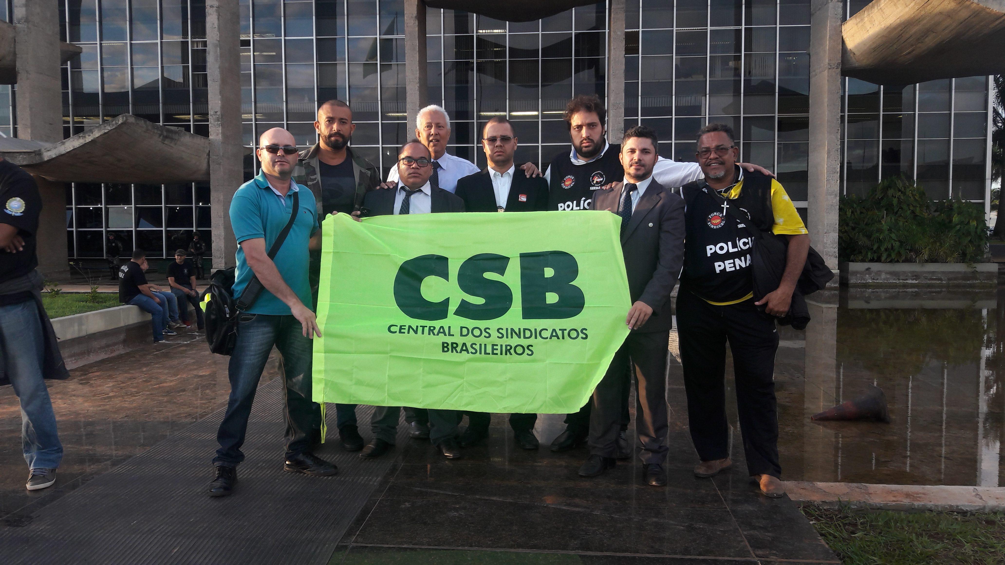 Agentes penitenciários protestam contra reforma da Previdência em Brasília