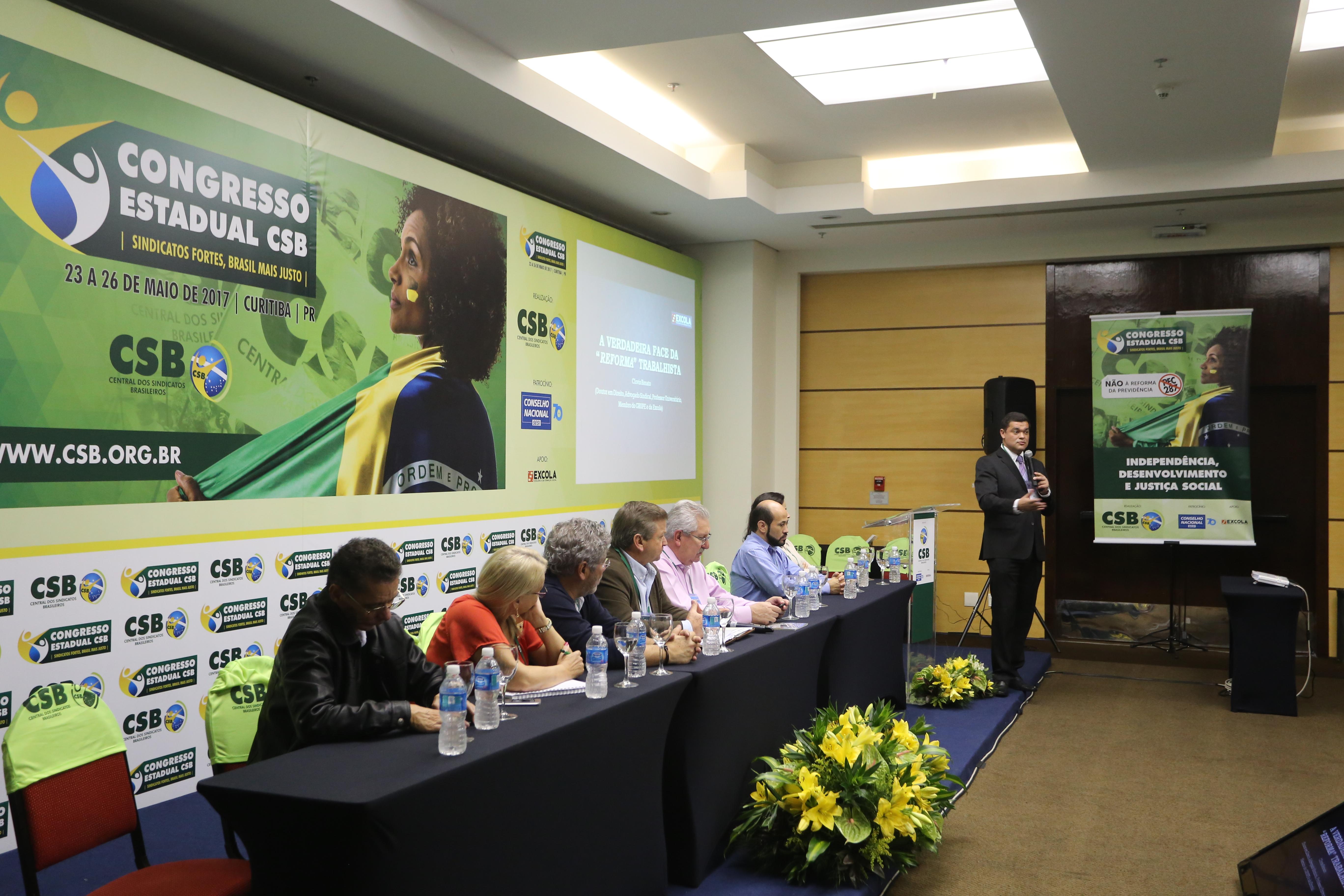 """""""Estão querendo novamente acuar os trabalhadores e afastar o movimento sindical"""", afirma Clóvis Renato Farias sobre a reforma trabalhista"""