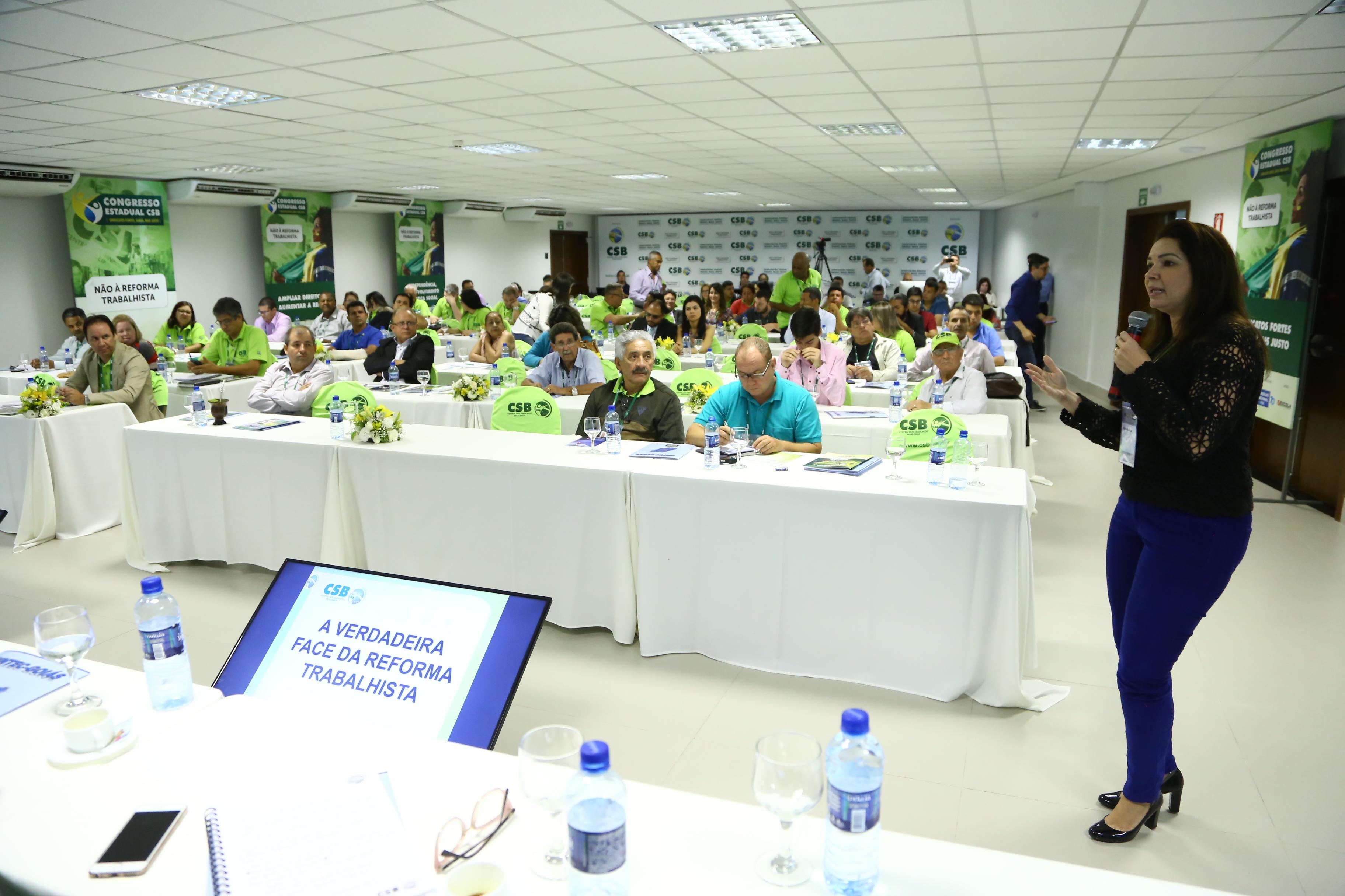 Mobilização contra a reforma trabalhista e a realidade do movimento sindical pautam 2º dia do Congresso Estadual de Goiás