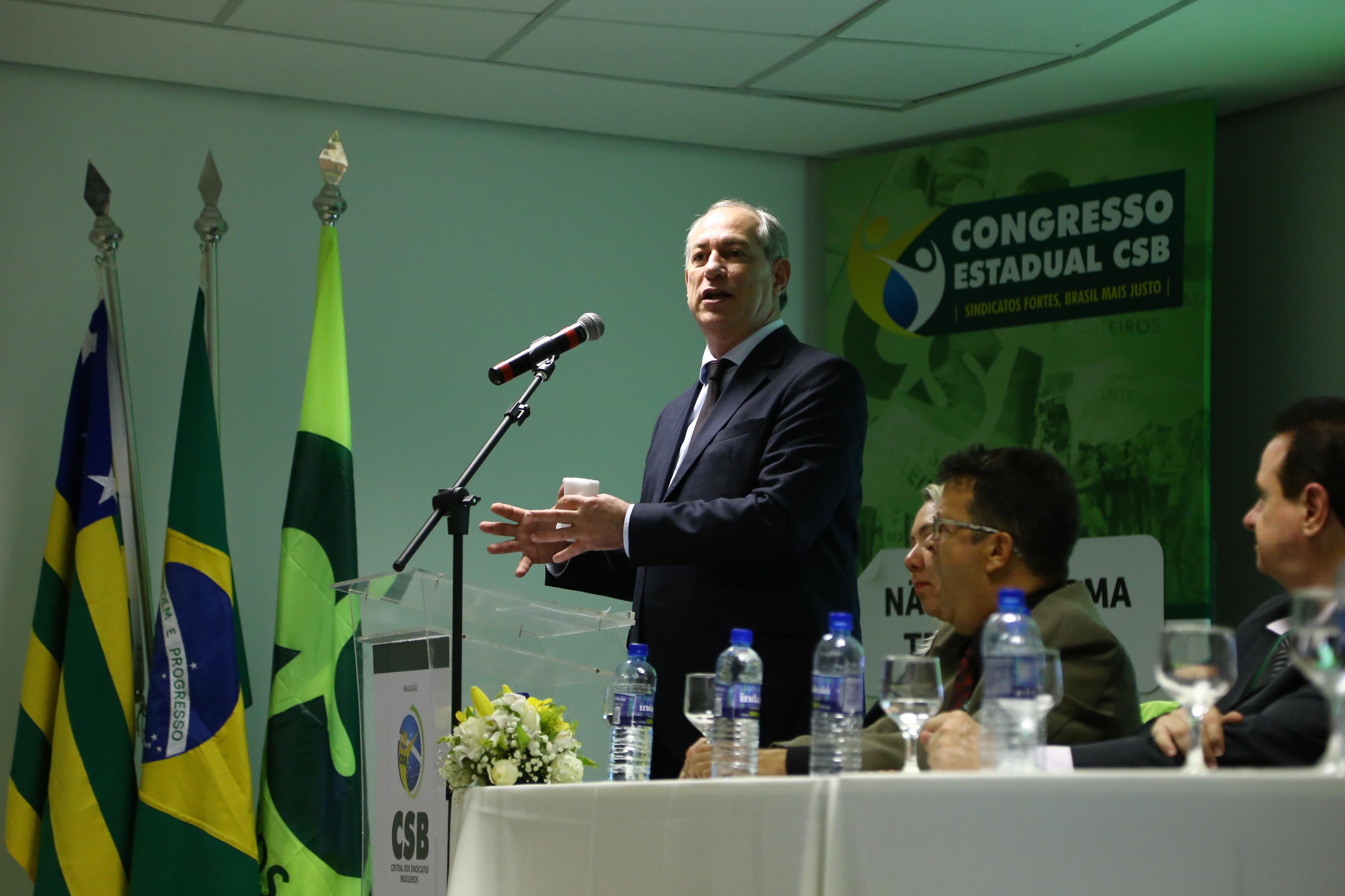 """""""Não é o mercado que vai tomar essa posição de equacionar os desafios do desenvolvimento"""", diz Ciro Gomes no Congresso de Goiás"""