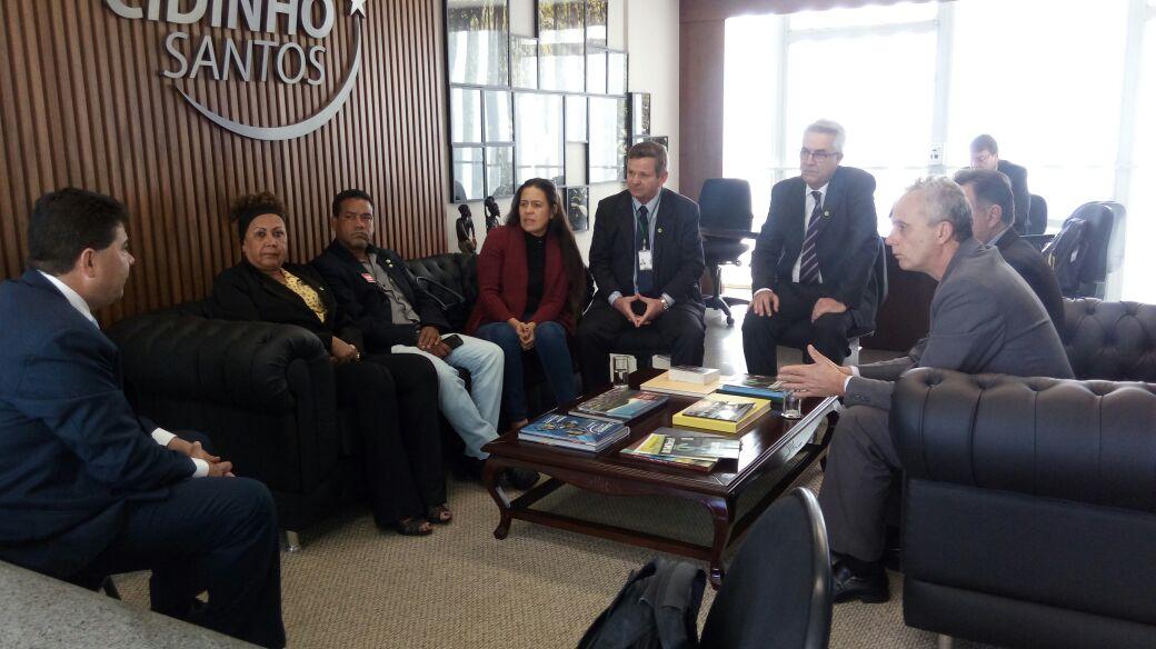 Desfiliação de Antonio Neto do PMDB repercute no Senado e na mídia