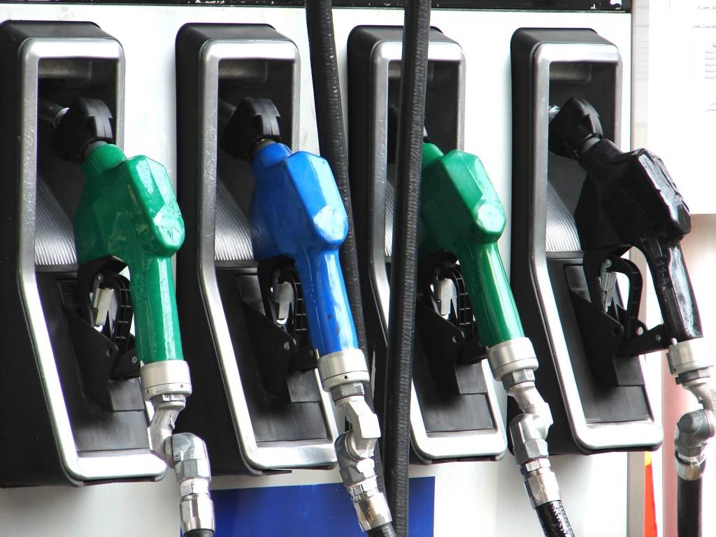 Empresas devem R$ 545 bilhões em imposto responsável por alta da gasolina