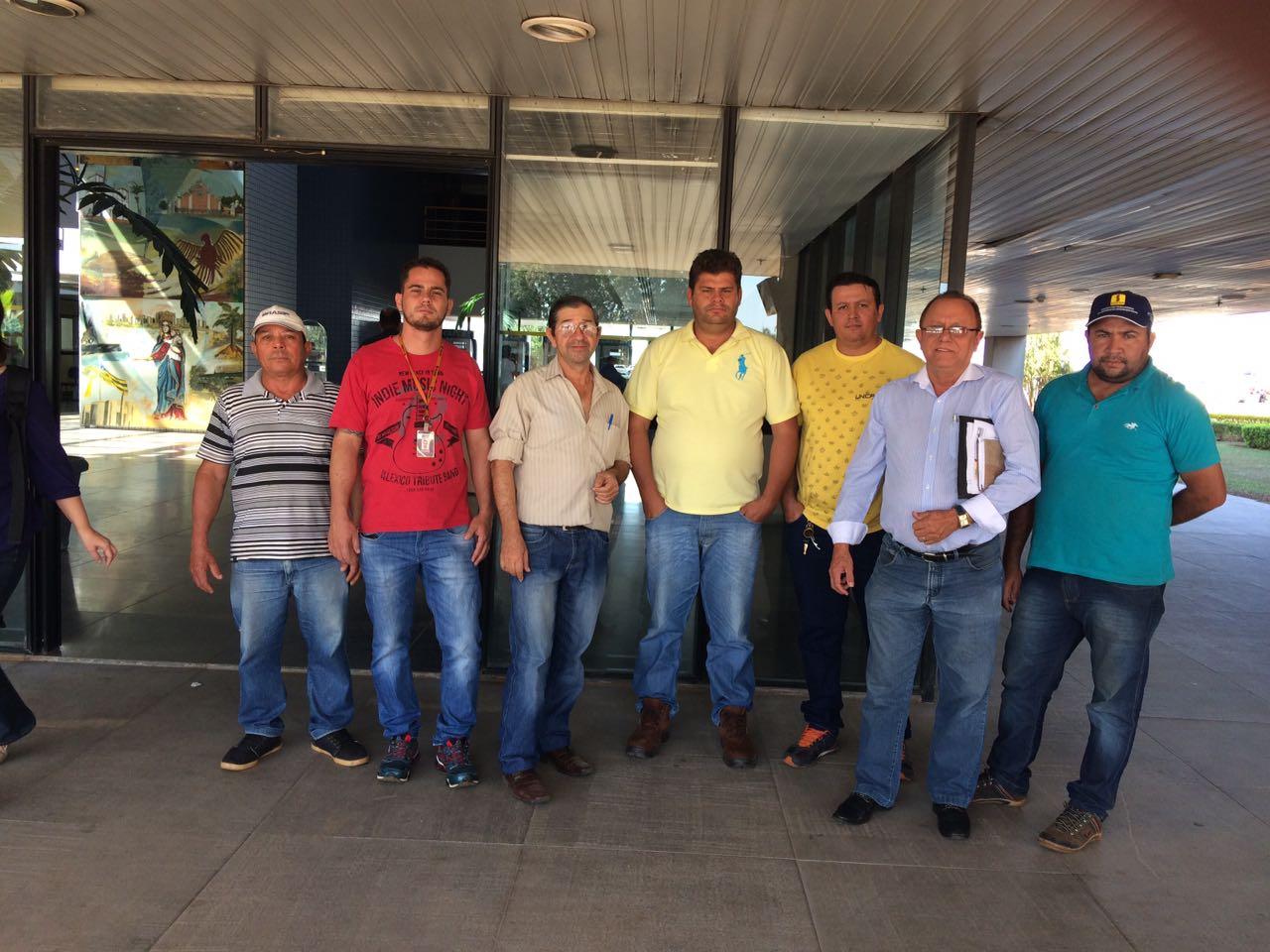 Para acerto de salário de trabalhadores, STICEP reúne-se com membros do MPT de Goiás, Caixa, TCU e CGU