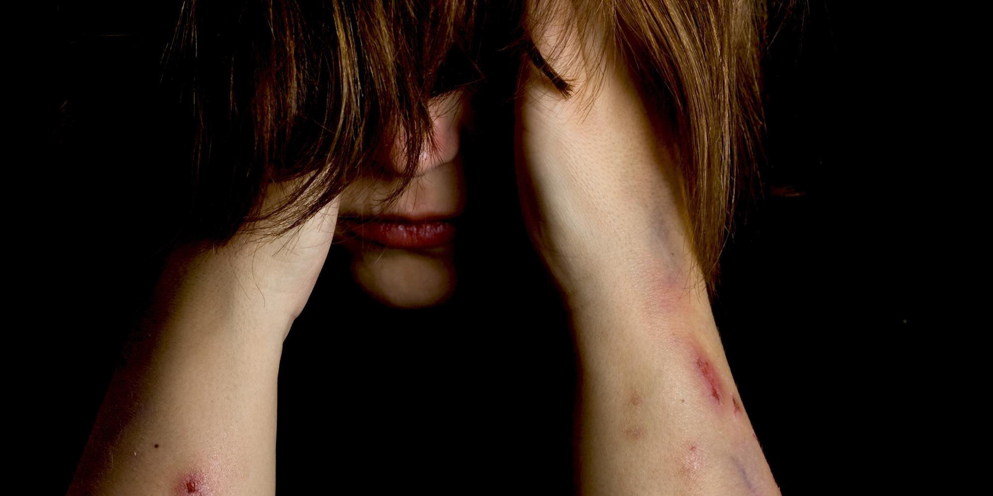 País registra 10 estupros coletivos por dia; notificações dobram em 5 anos