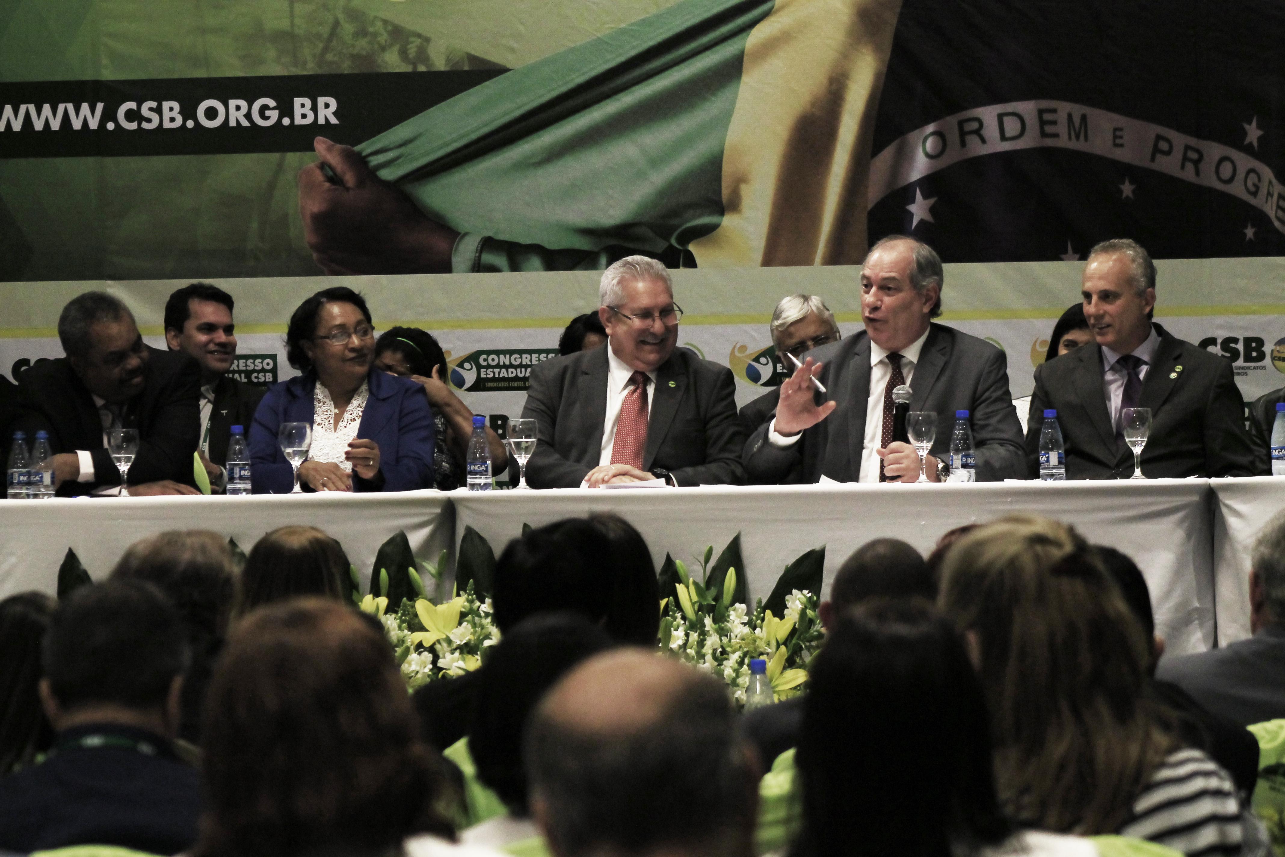 Para Ciro Gomes, reindustrialização do País é saída à crise política e econômica brasileira