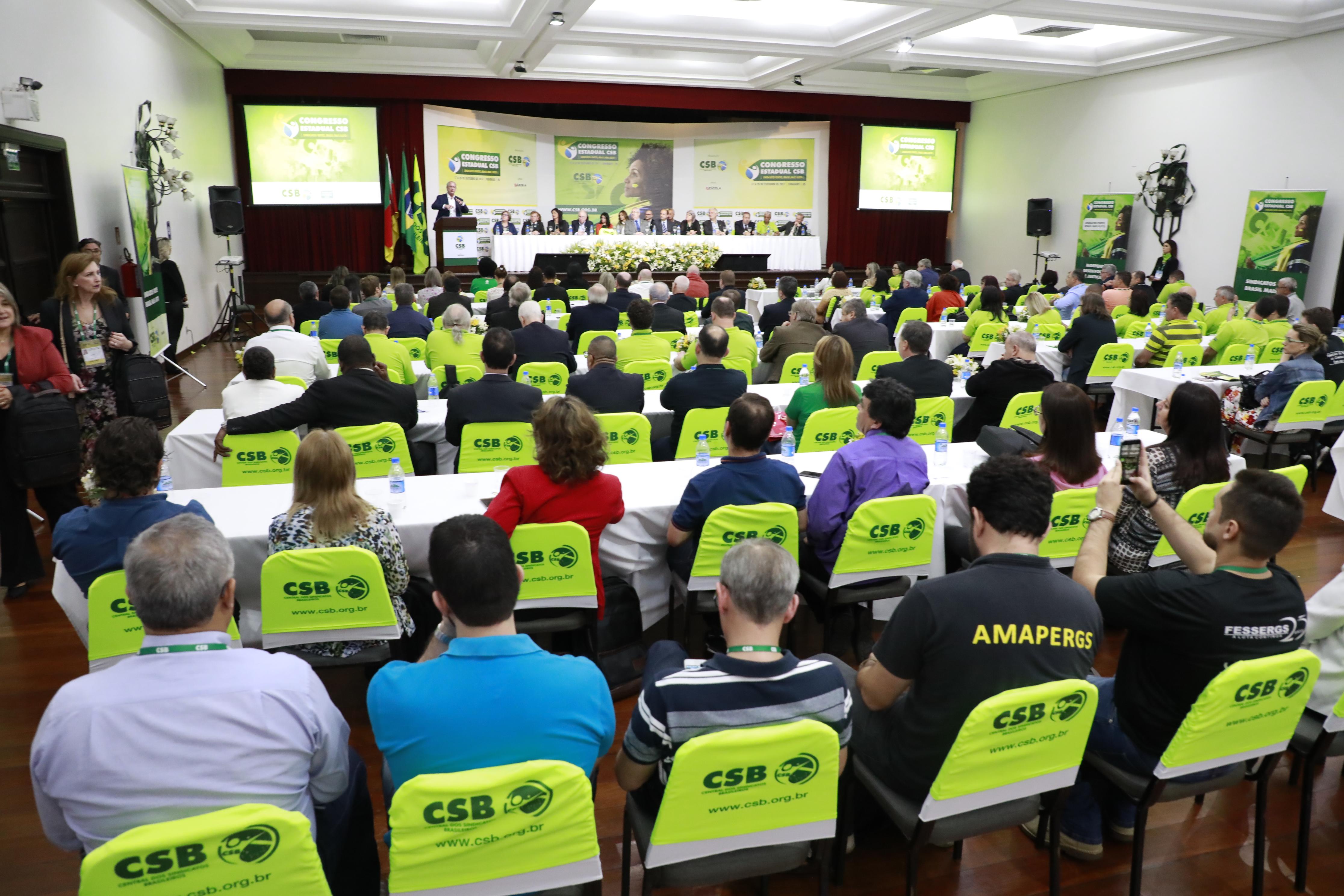 O Brasil precisa se livrar da dependência estrangeira, defende Ciro Gomes