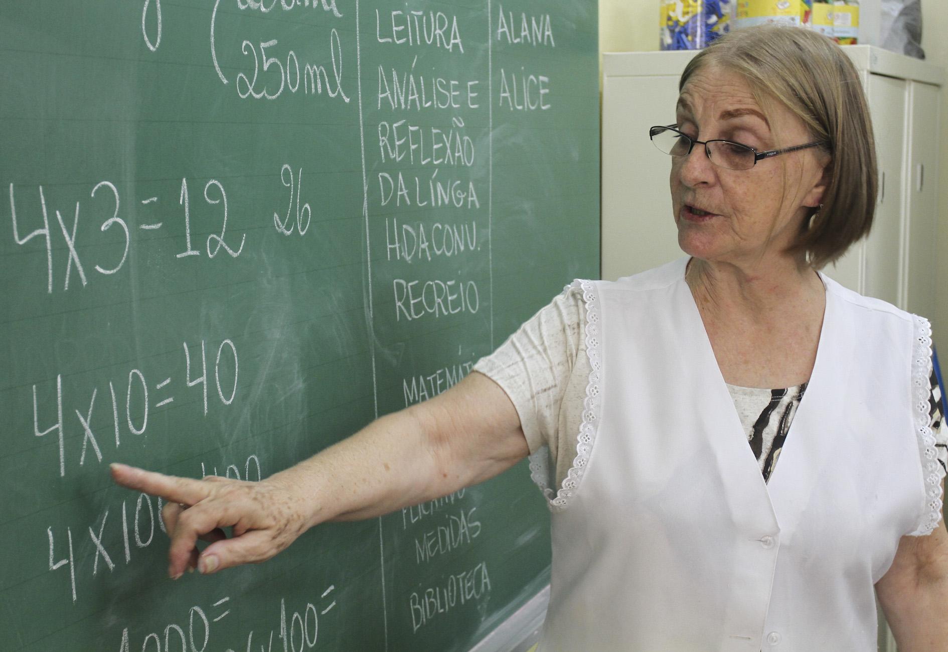 Professores do Estado do RN recebem quarto reajuste; aumentos salariais já somam 38%