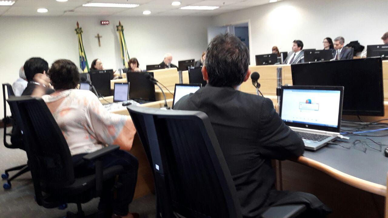Fonoaudiólogos do Rio de Janeiro participam de audiência no TRT para reivindicar salários atrasados
