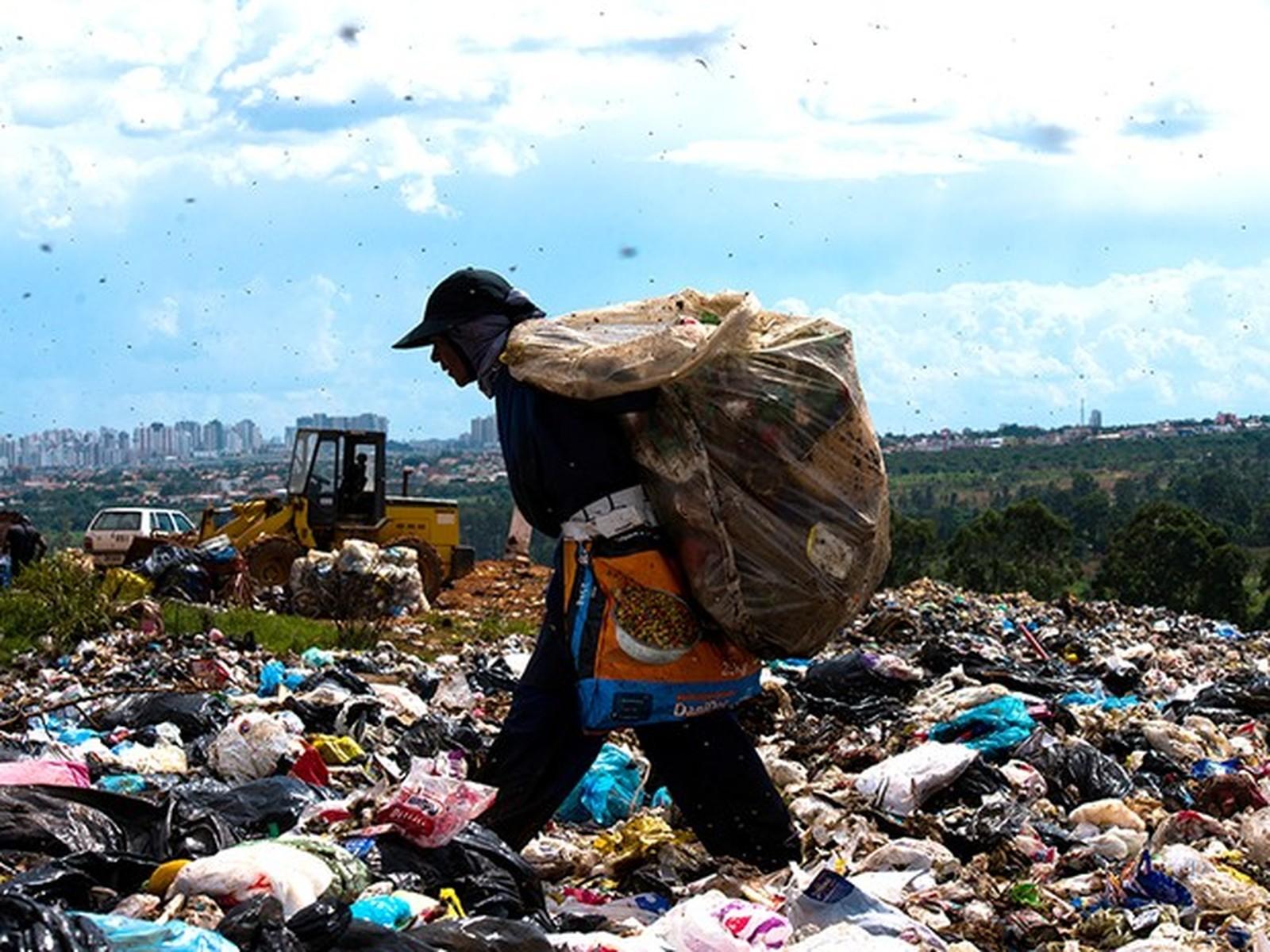 Em 2016, 24,8 milhões de brasileiros viviam na miséria, 53% a mais que em 2014, revela IBGE