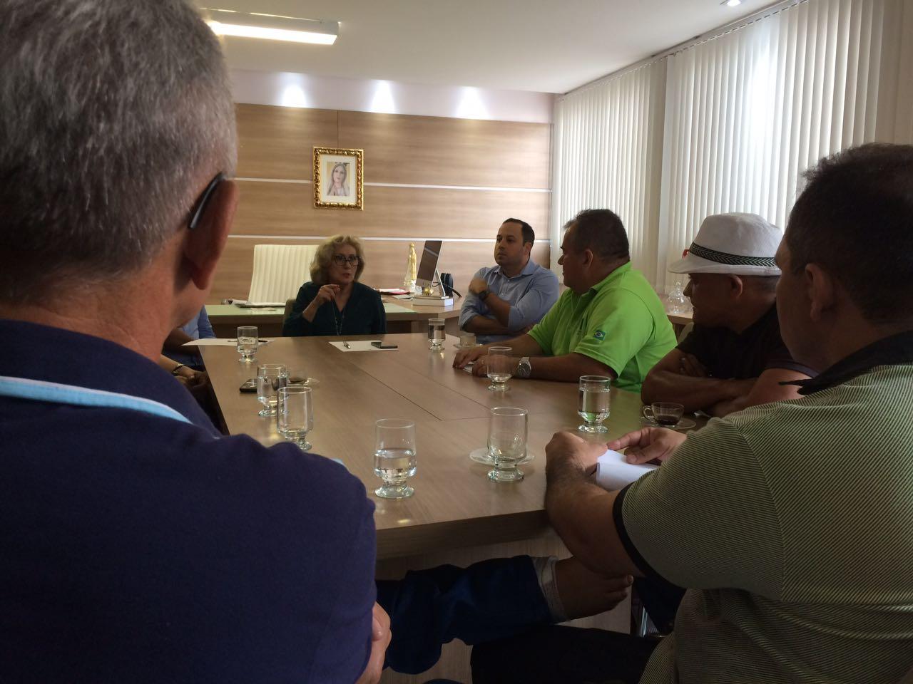 Agente vítima de atentado se reúne com titular da Sejus