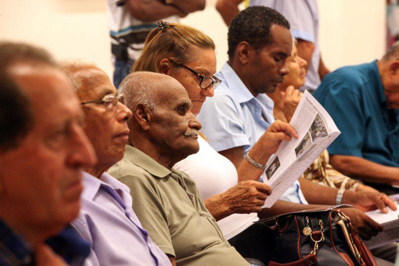 SINTEST-MG rechaça PEC 287 durante ato público em defesa dos aposentados