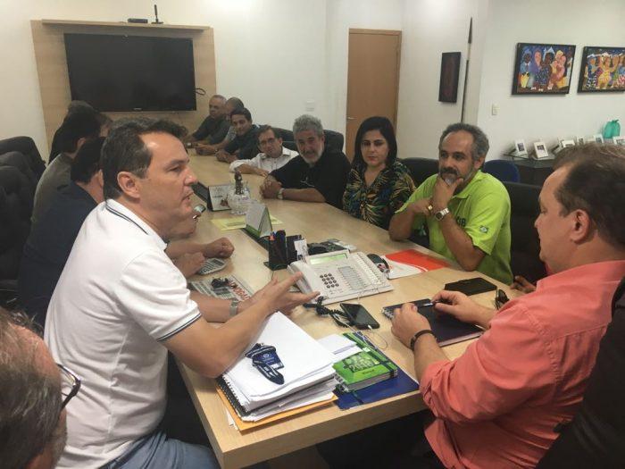 Fórum Sindical do Mato Grosso pede explicações ao governo do estado sobre escalonamento salarial e plano de saúde dos servidores