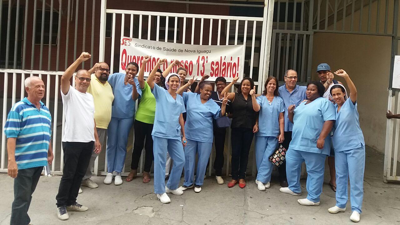 Trabalhadores da Segumed recebem 13º salário após greve em Duque de Caxias