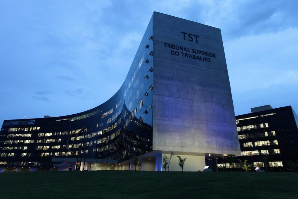 TST suspende sessão que debateria adequação de súmulas do Tribunal à reforma trabalhista
