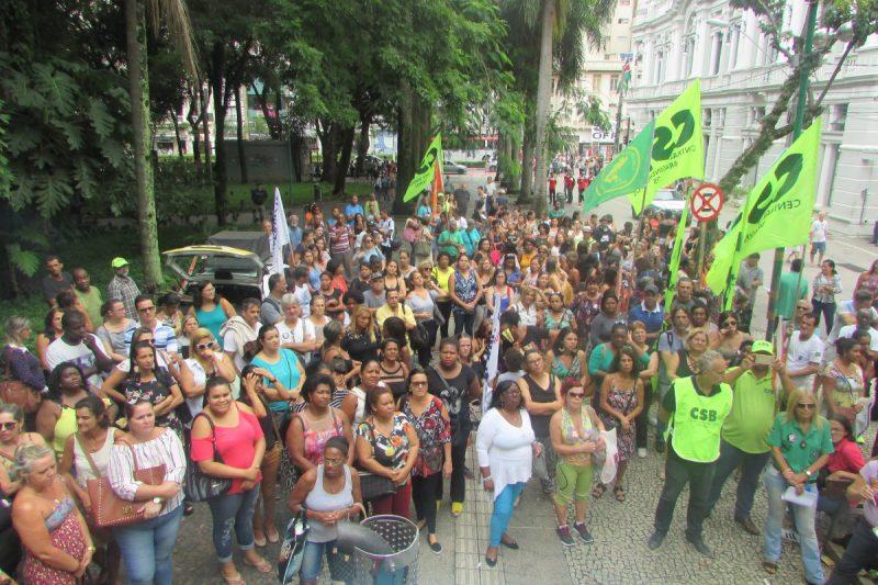 Servidores da AMAC/Juiz de Fora fazem Ato em defesa do modelo de assistência social do município