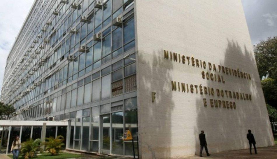 Contribuição sindical autorizada em assembleia é legal segundo Ministério do Trabalho