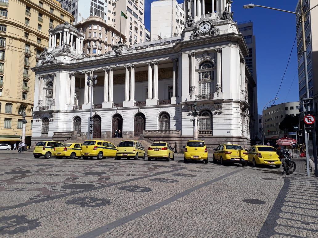 Por uma legislação justa, taxistas de Fortaleza e Rio de Janeiro permanecem mobilizados