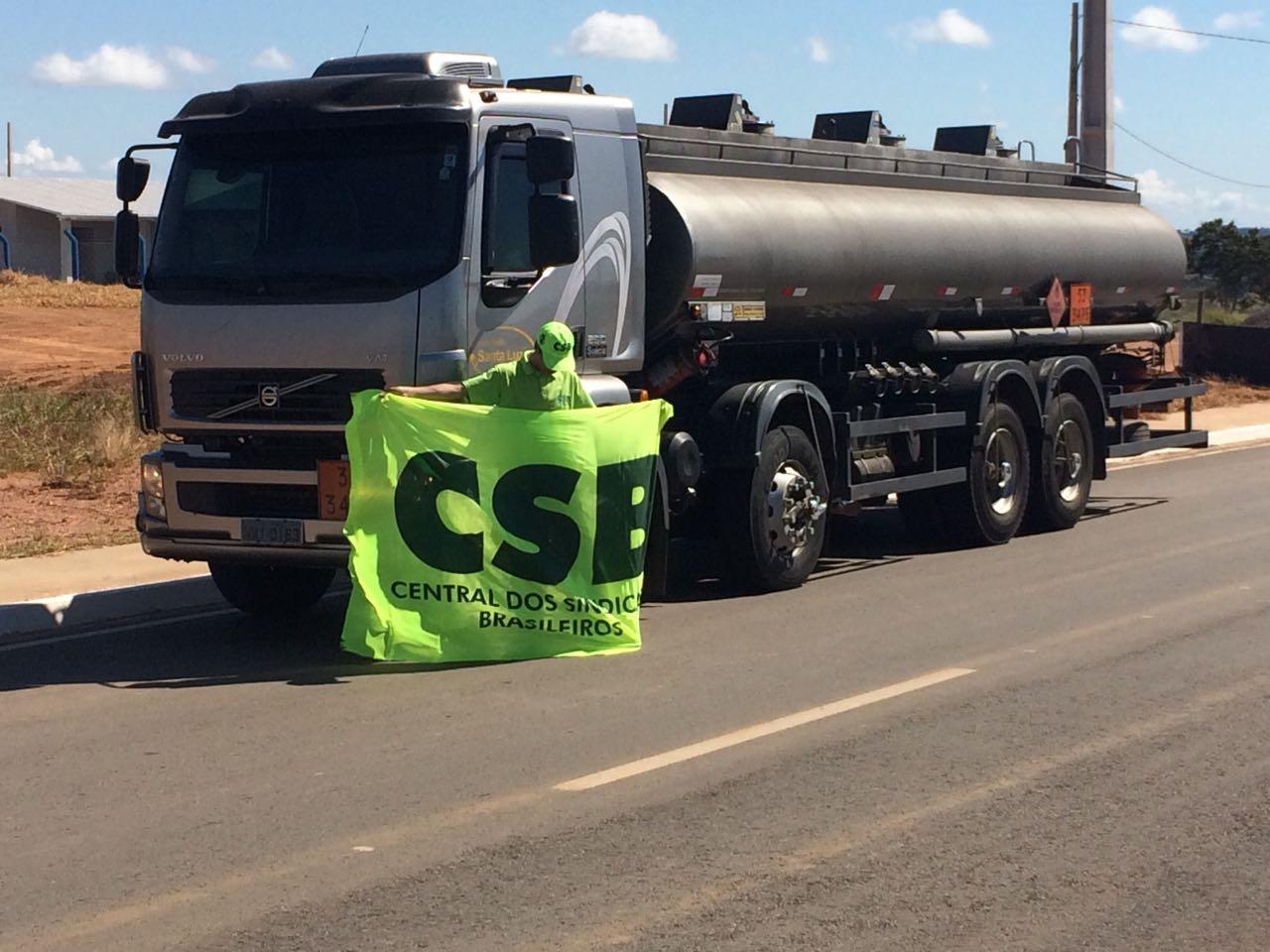 Servidores do Rio Grande do Sul se mobilizam em apoio aos caminhoneiros