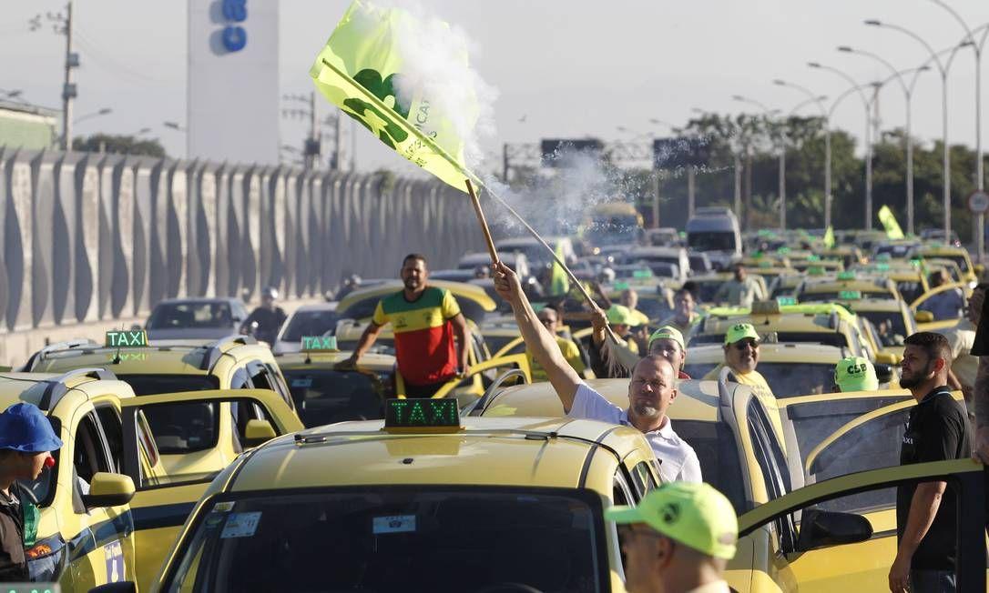 Sindicato e CSB conclamam taxistas para manifestação no Rio de Janeiro