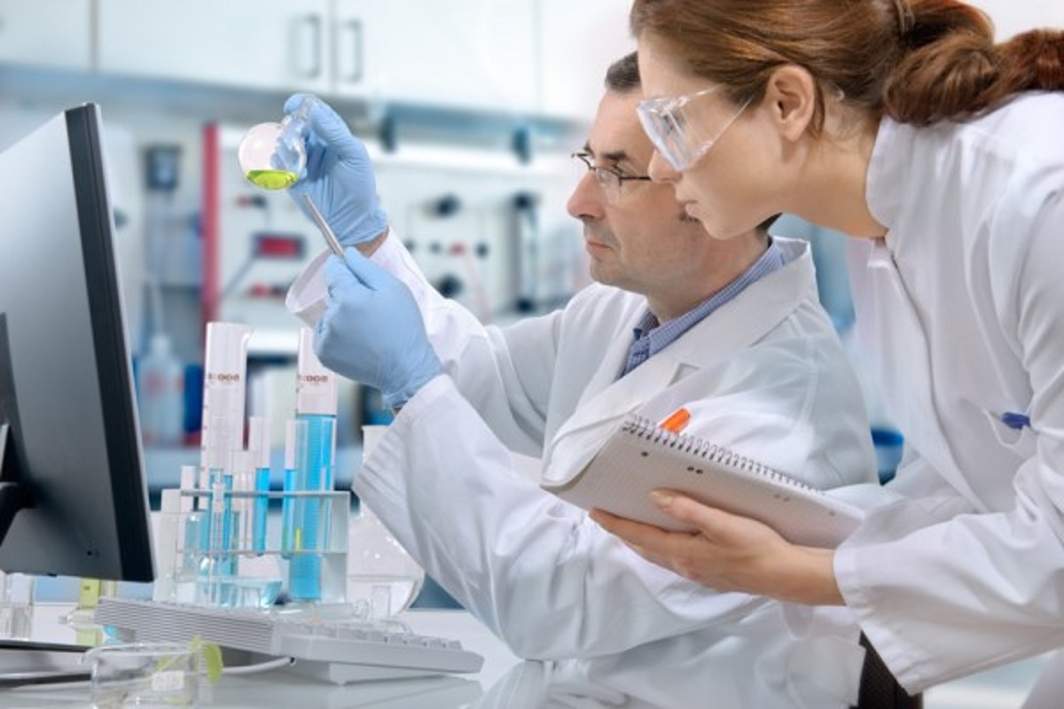 Químico: um profissional que trabalha para o desenvolvimento do Brasil