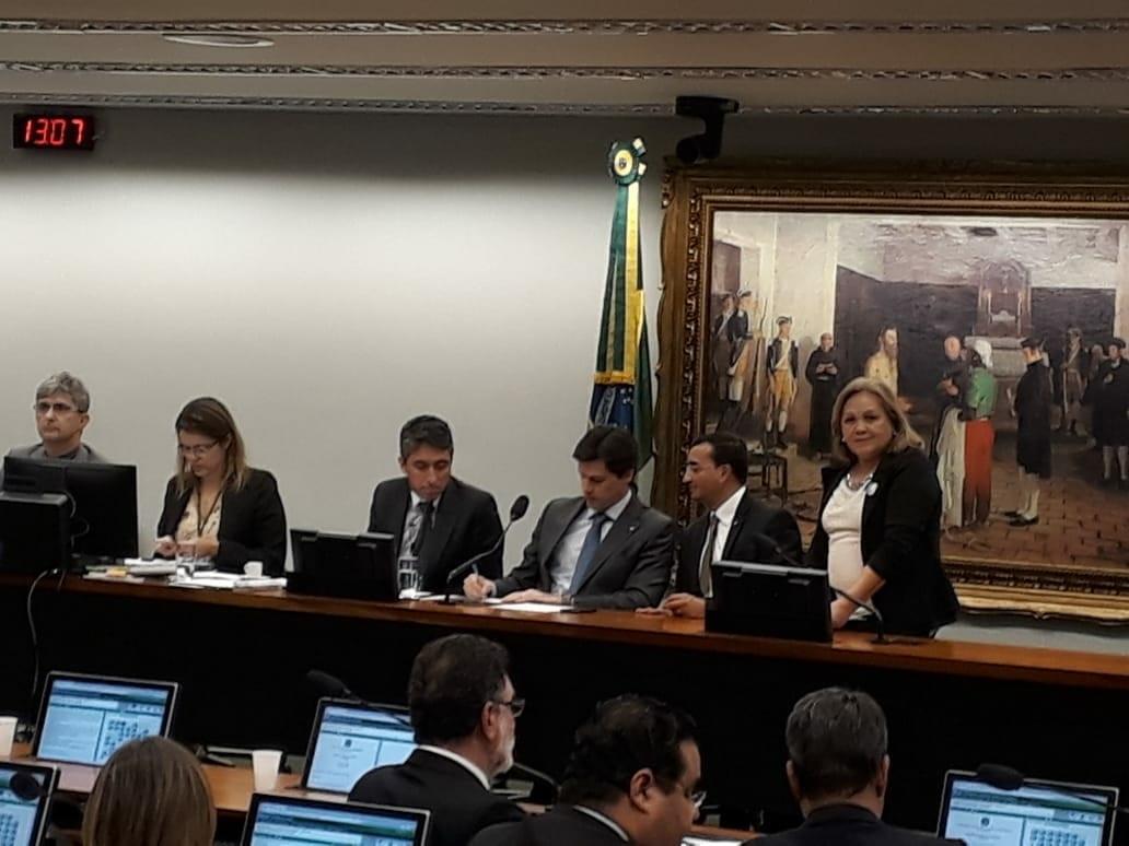 CSB debate projetos do piso salarial para profissionais da saúde com deputado Benjamin Maranhão (SDD-PB)