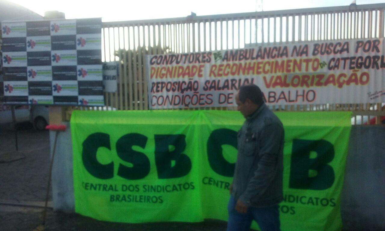 Condutores de ambulância estão mobilizados em Aparecida de Goiânia (GO) contra as perdas salariais da categoria