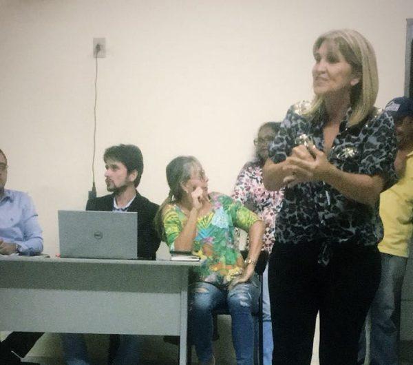 Servidores de Araguari apresentam reivindicações e podem paralisar atividades