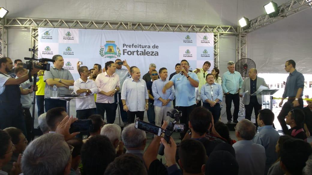Prefeitura de Fortaleza atende demanda dos taxistas e sanciona Lei que cria mais 3 mil autorizações