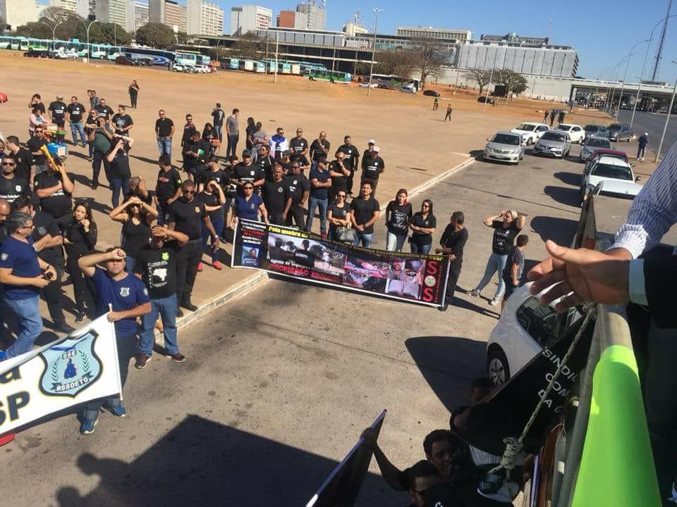 Agentes participam de mobilização contra vetos na lei do SUSP (2)