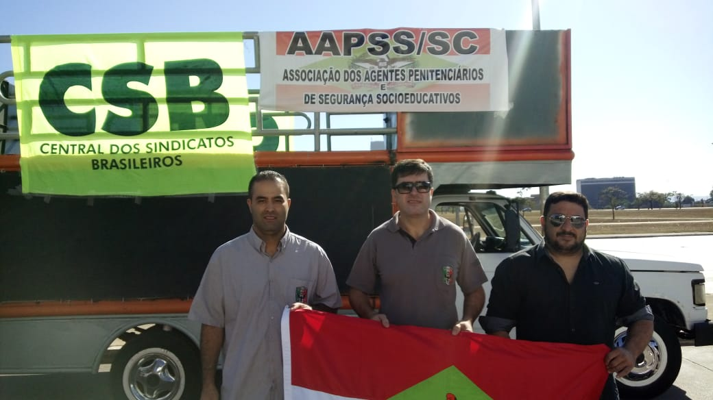Agentes penitenciários de SC participam de mobilização nacional contra vetos na lei do Sistema Único de Segurança Pública