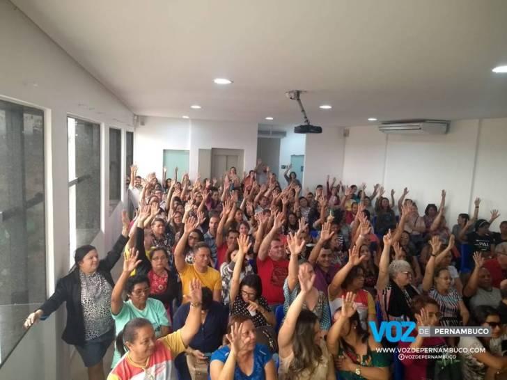 Professores decretam estado de greve em Carpina (PE)
