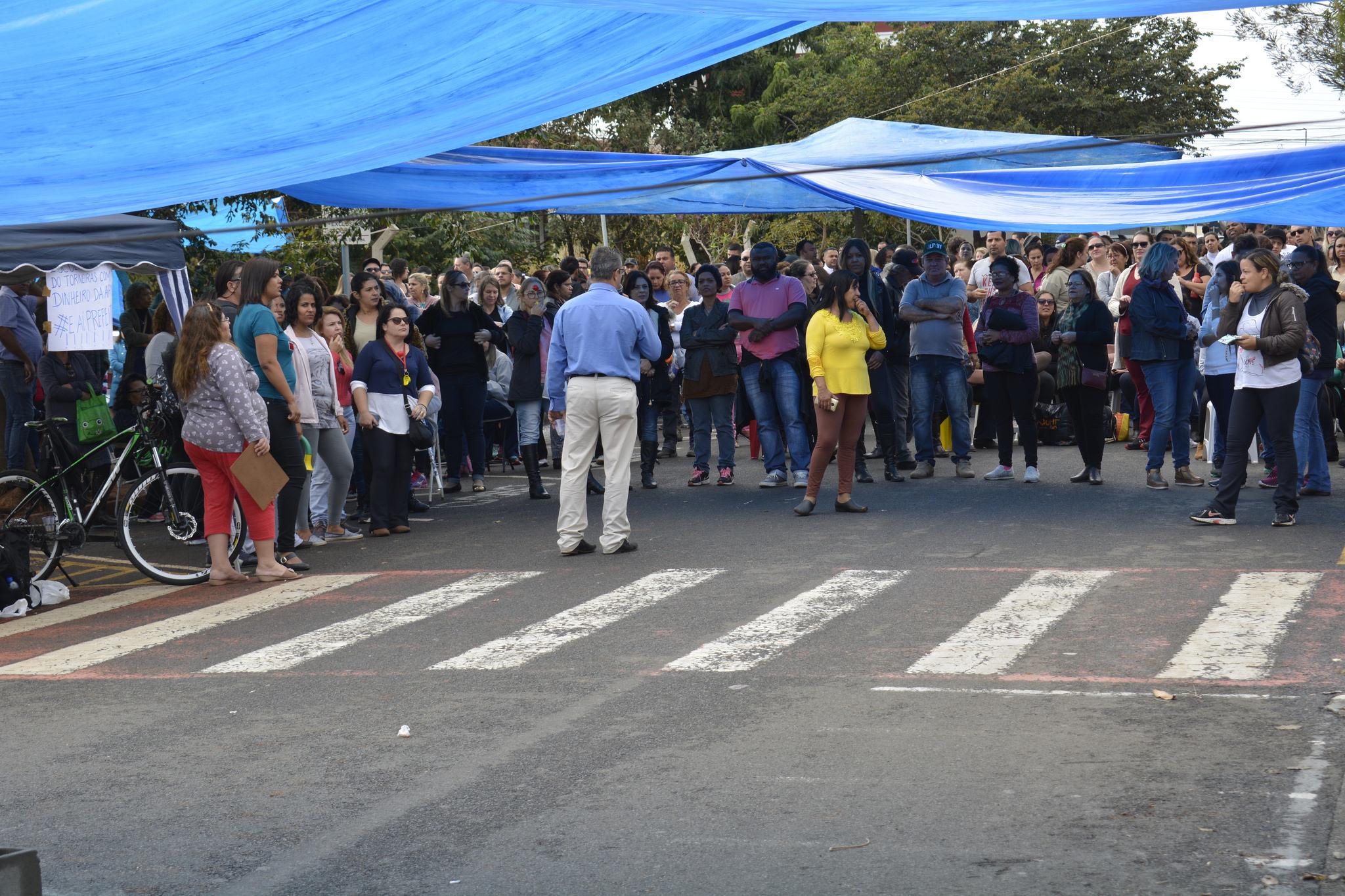 Sem resposta da prefeitura, servidores de Hortolândia reivindicam pelo quarto dia seguido melhores salários