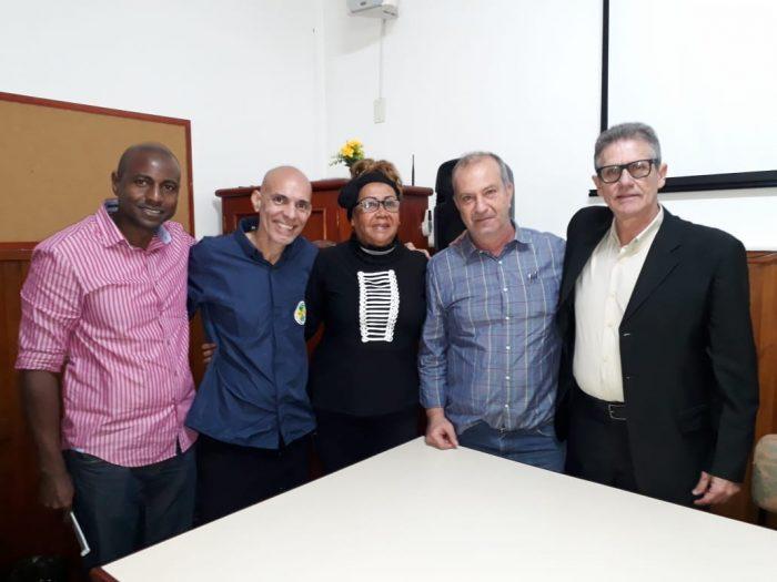 Nova diretoria do SINDTAXI-Niterói toma posse em solenidade na Câmara Municipal