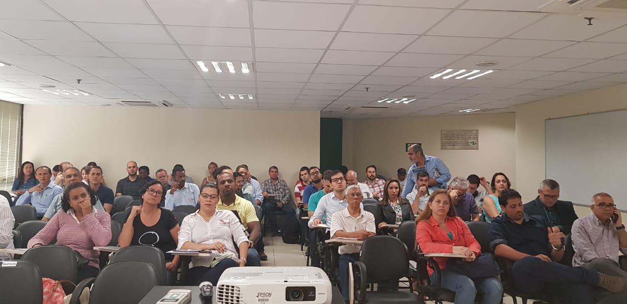 Seminário de segurança do trabalho debate NR 18 em Belo Horizonte