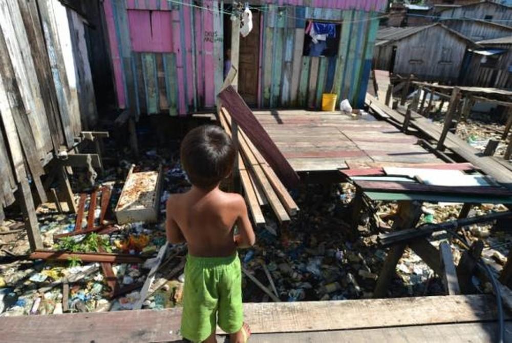Pobreza extrema cresce em 25 estados brasileiros, aponta estudo