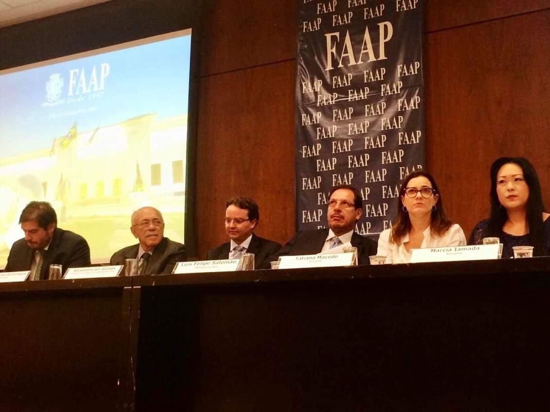 Advogados discutem novos procedimentos após reforma trabalhista durante simpósio