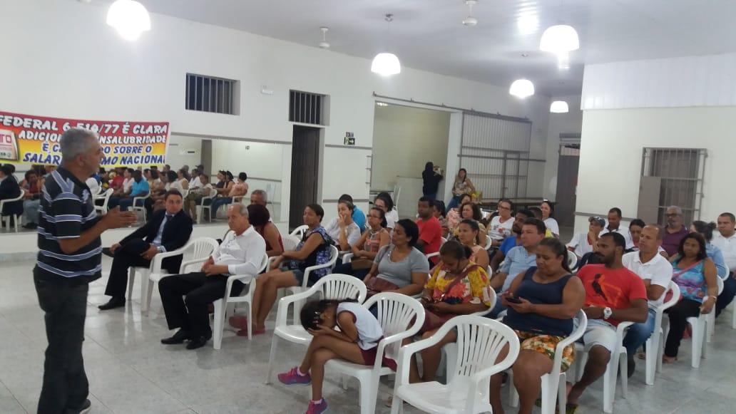 Servidores de Teófilo Otoni protestam contra redução no adicional de insalubridade